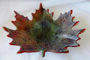 Green Tinted Maple Leaf Dish